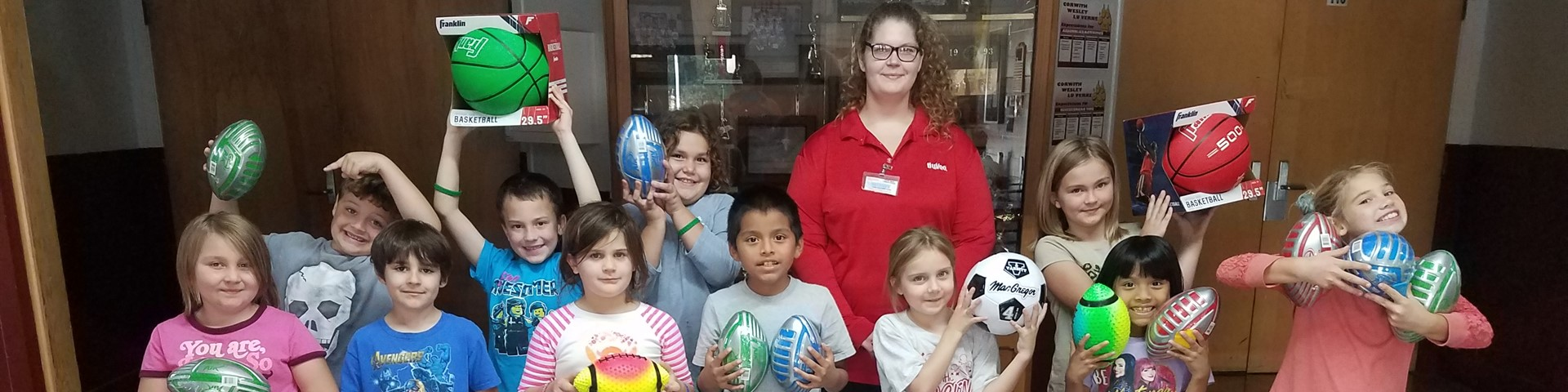 Hy Vee Donates School Supplies to CWL Elementary