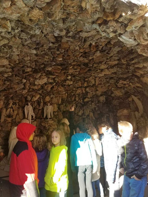 Rock Field Trip to Grotto