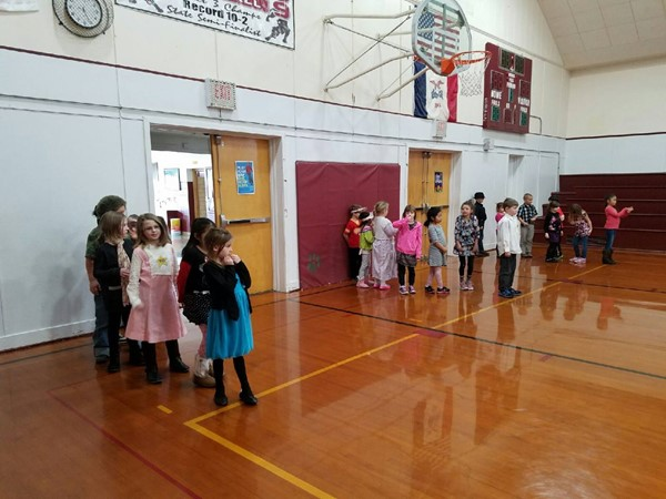 CWL Elementary Celebrates 100 Days of School